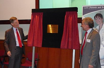 Health Minister Geoff Wilson and Senior Director of Forensics and Scientific Sciences Greg Shaw offically open the improved laboratory.